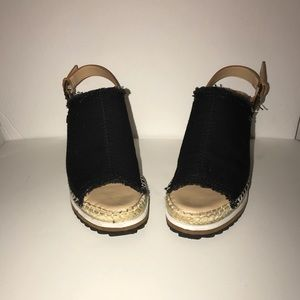 Tommy Hilfiger 71/2 wedge shoes